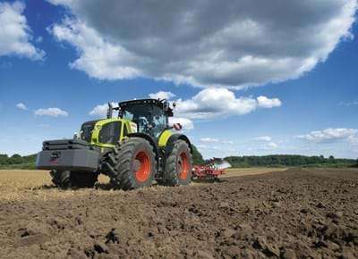 "claas-axion-900-working-2-web.jpg"","""