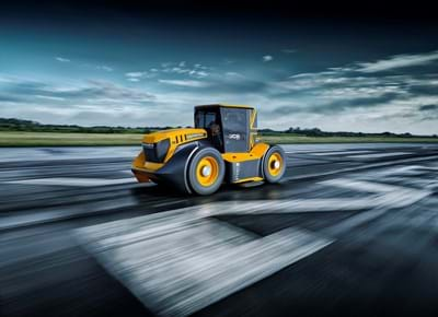 "the-worlds-fastest-tractor-9.jpg"","""